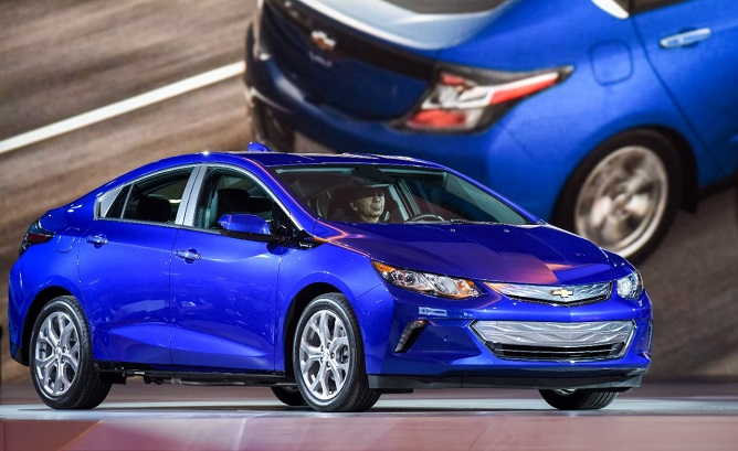 Full details on the 2016 Chevrolet Volt – including specifications, standard equipment and optional upgrades – have just been released by General Motors. The only tidbit missing now is the price.